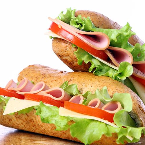 Kleine Lunchkaart bij Jo's IJssalon in Reuver